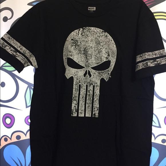 a2ddd363d Men's Marvel Punisher T-shirt. M_5a9d556d46aa7c89b9e12f3f
